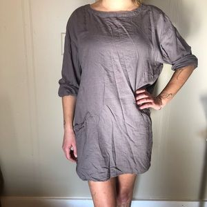 Gray oversized dress with front pockets